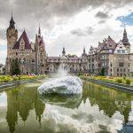 Walt Disney na Górnym Śląsku. Pałac w Mosznej